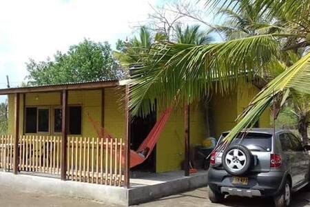 Hermosa cabaña frente al mar de San Bernardo