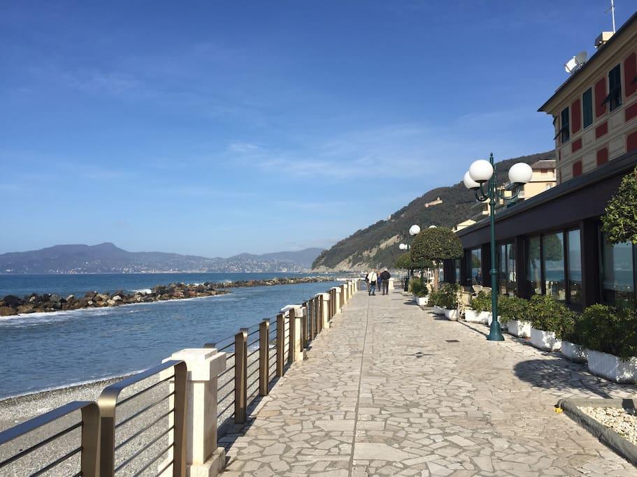 Seafront chiavari portofino 5terre flats for rent in for Lungomare elevato