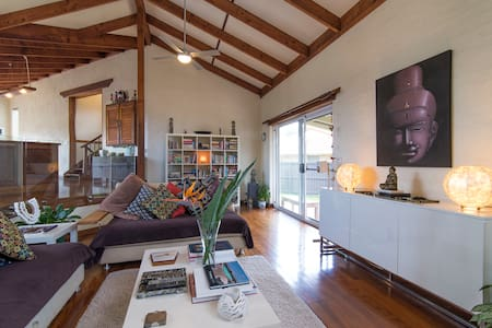 Large 2 Story Home Modern/Charm Byron Bay w/4Beds
