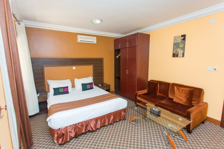 Deluxe room (The Country Inn Hotel)