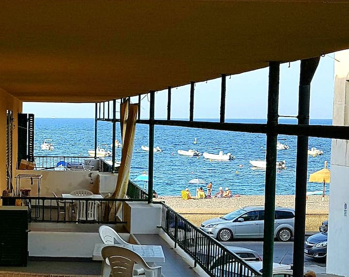 CANNETO BLU- seaview flat close from the beach