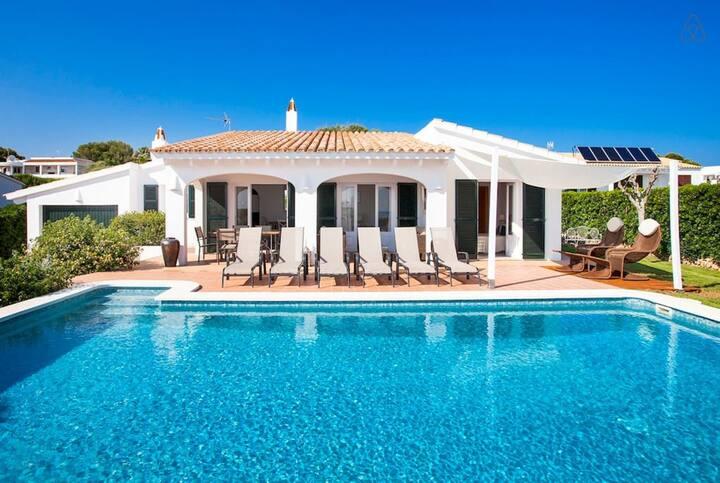 VILLA BINI ORAN - Large charming villa near the beach, wonderful sea views