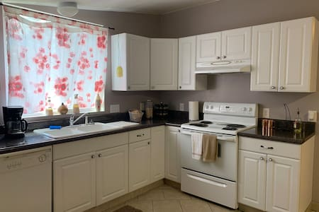 2 Bedroom Guest House White, GA Exit 296 - No cats