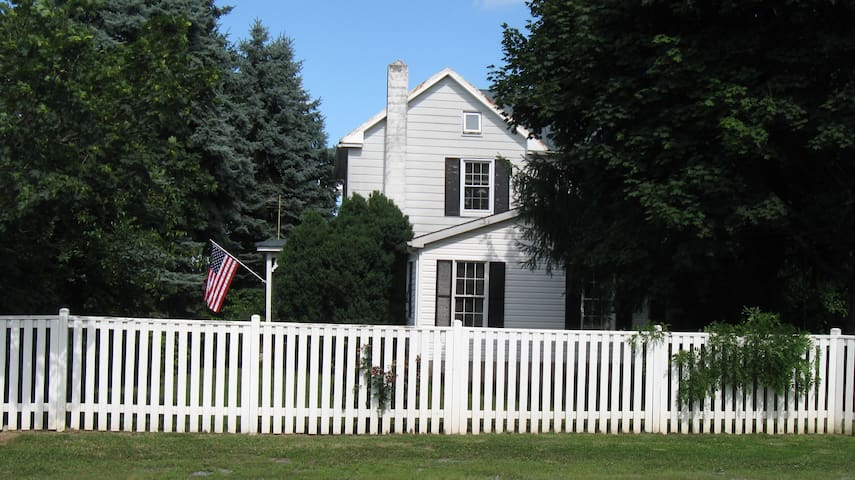 American Farm Home (whole house)