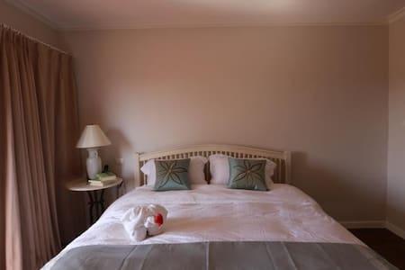 精品观景大床房和双床房 - House