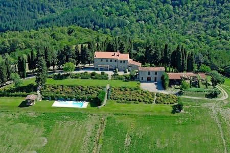 Villa con Piscina - Subbiano