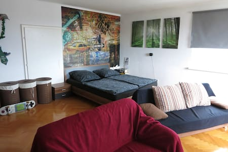 Private Room in 4 People Commune - Graz