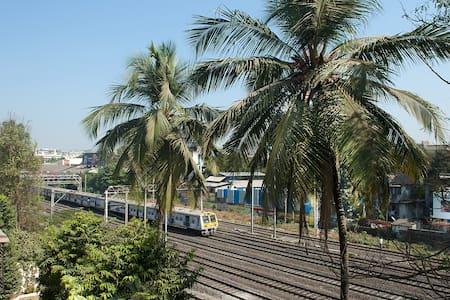 OWN KEY TERRACE APT VILEPARLE WEST - Mumbai - Lakás