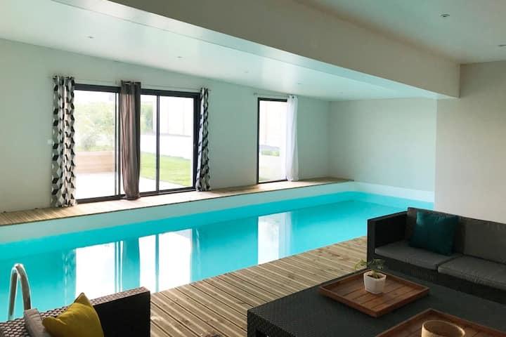 LA VILLA DE LOGUI (piscine intérieure chauffée)