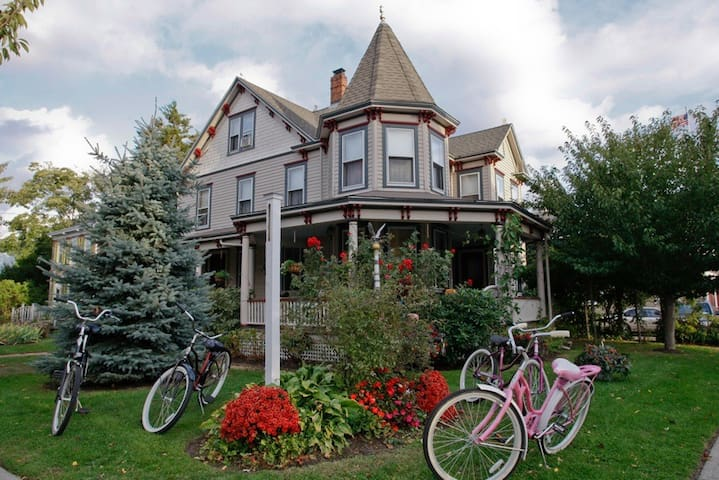 Ruby's Cove - Greenport - Bed & Breakfast