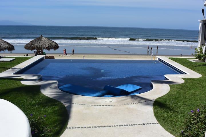Casa Uno -Private Ocean Front Villa w/ 2 Masters!