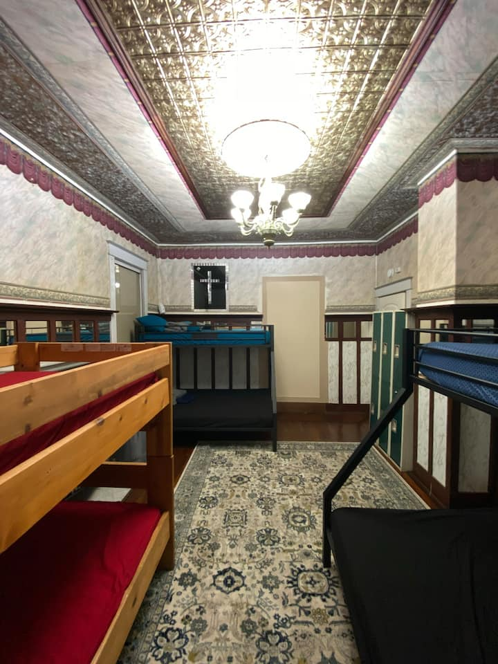 Ocean House Hostel with Ocean View Bed 25