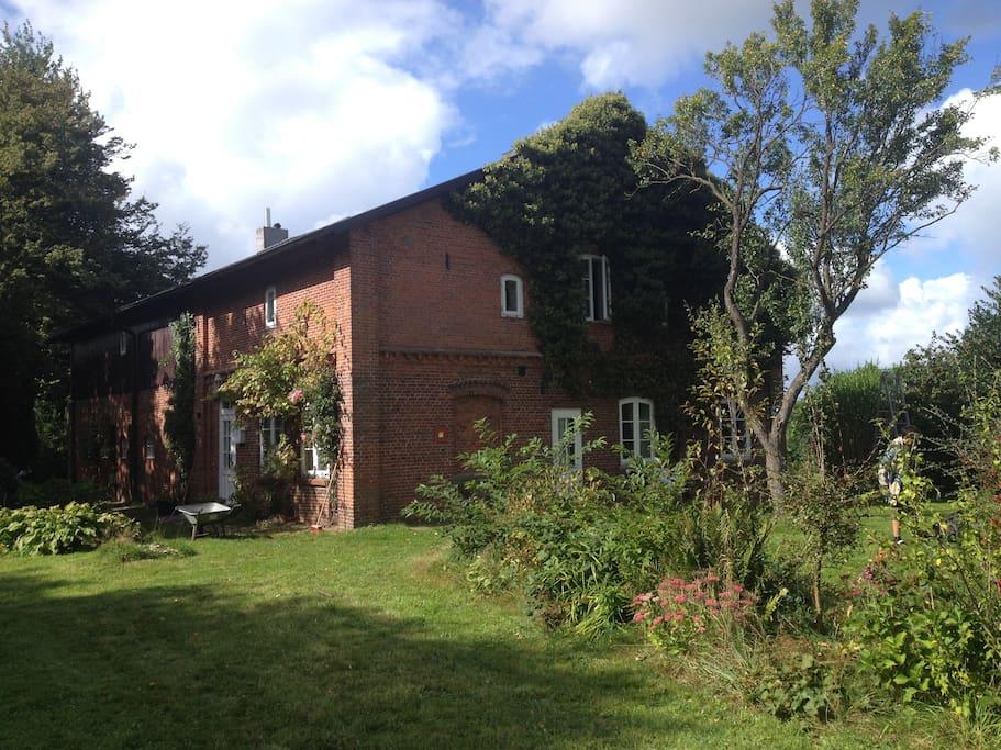 Gartenansicht von  Südosten