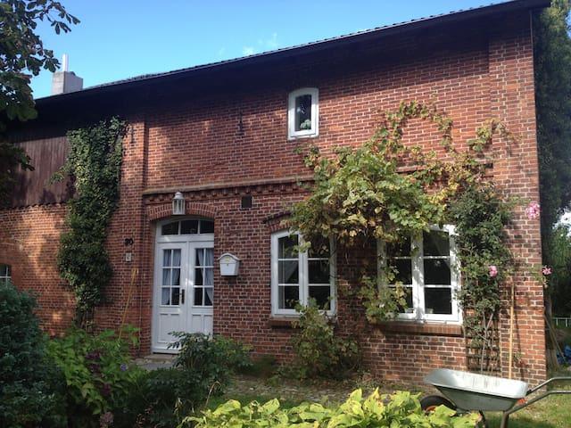 Traum-Landhaus in idyllischer Lage - Sarzbüttel - Talo