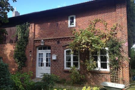 Traum-Landhaus in idyllischer Lage - Sarzbüttel - บ้าน