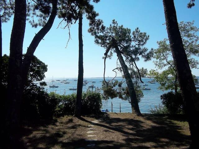 Agréable villa en bordure du bassin - Lège-Cap-Ferret