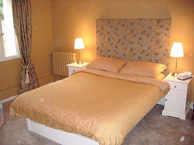 2-King Size Bed - Shower room - Cadalen