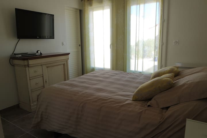 B&B zone naturiste proche mer - Leucate - Bed & Breakfast