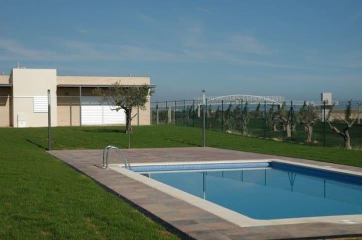 Casa con piscina cerca de Playa  - L'Ampolla - House
