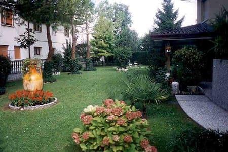 villa con parco - Casarsa della Delizia