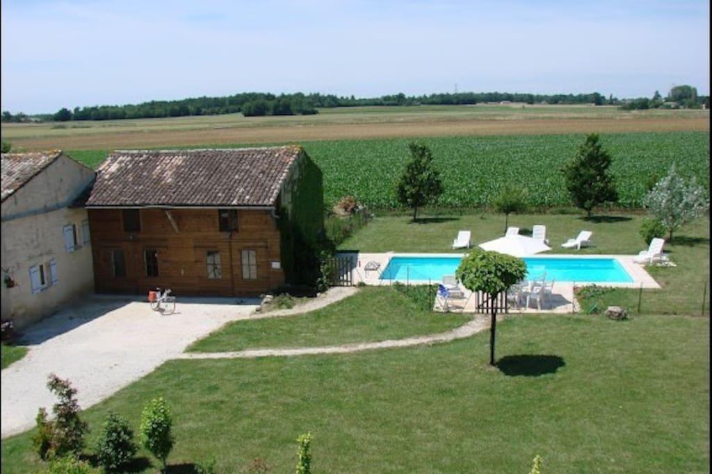 Maison piscine en charente maritime houses for rent in for Piscine charente maritime