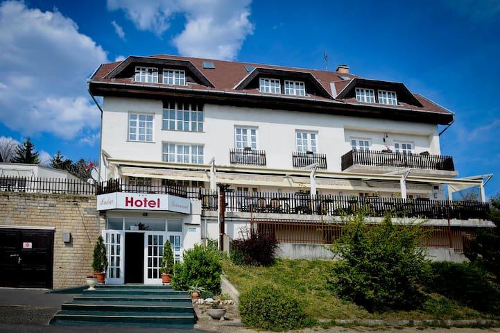 Triple Room | Budai Hotel***