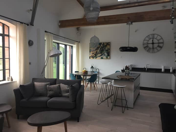 Exeter Quay Waterside Loft Apartment 2
