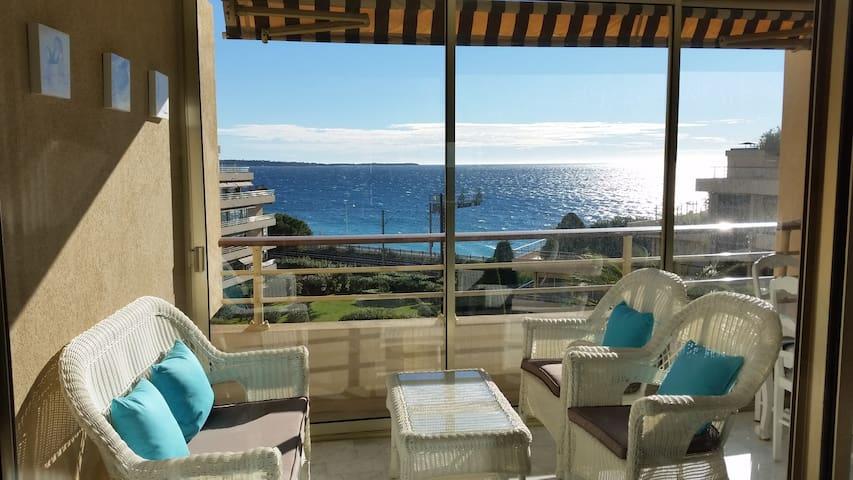 Appartement F3 70m² belle vue mer - Cannes - Byt
