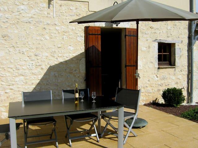 Bienvenue chez Dame Bertrande - Saint-Astier - House