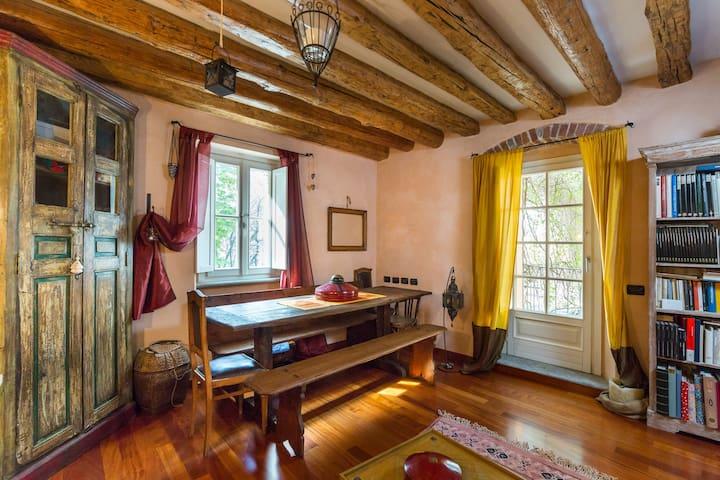 Casa d'epoca nel centro di Aosta - Aosta - Leilighet