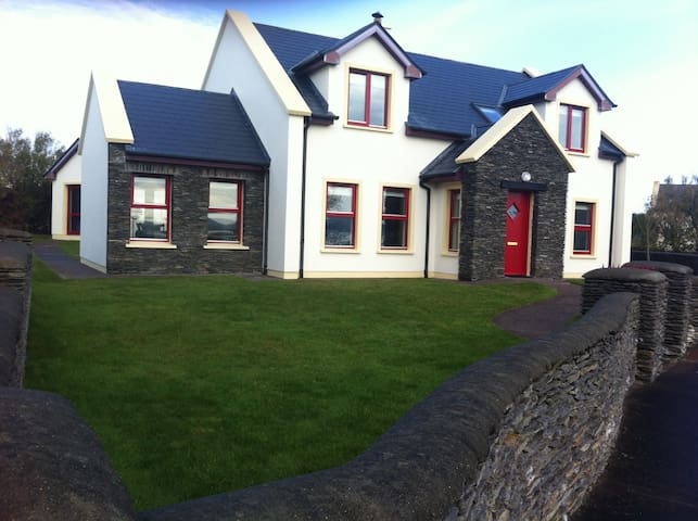 The Epicentre of Heaven - Ballinskelligs - Casa