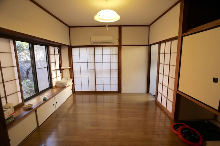 Traditional Japanese house - Kyodo Station 3 minutes away. Kitchen, house with garden, Japanese-style area