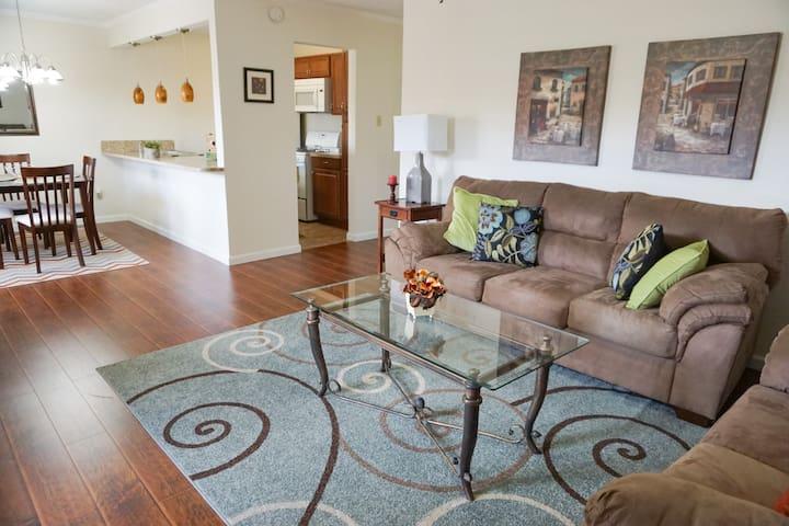 2BD Galleria Corporate Suite
