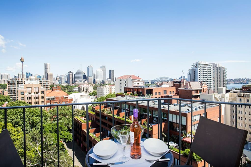 Potts point luxury 1 bed apt spectacular views flats for for Pool show on foxtel