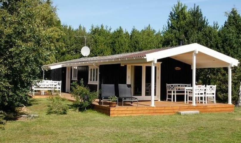 Sommerhus nær børnevenlig strand - Jerup - Chatka