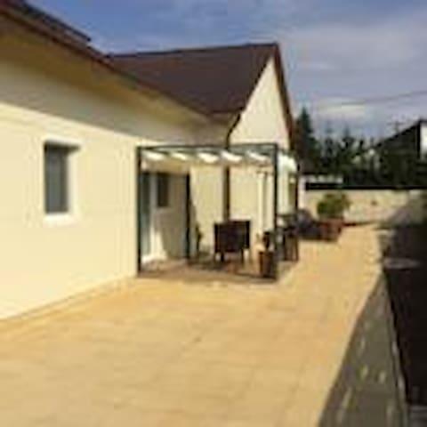 Aranyhárs Apartman Verpelét - Verpelét - Rumah Tamu