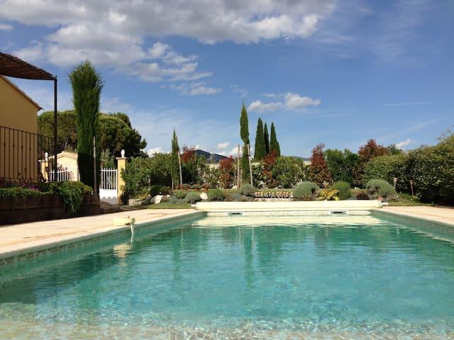 Belle maison neuve piscine privée. - Beaumes-de-Venise - Huis