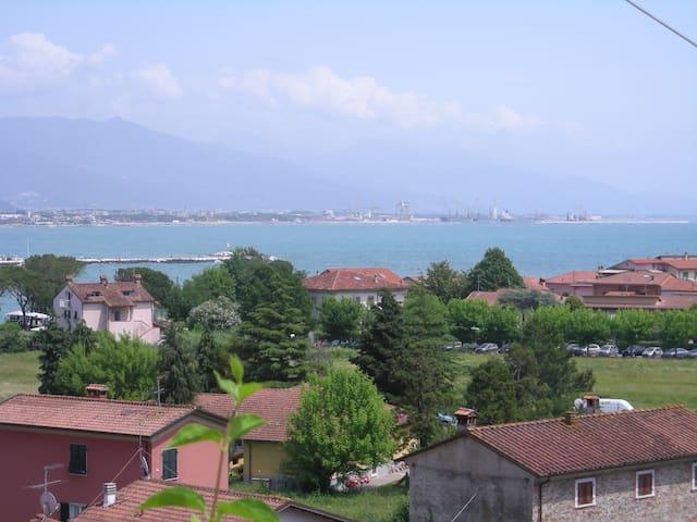 Casa colonica fine '800 vista mare - Bocca di Magra - Leilighet