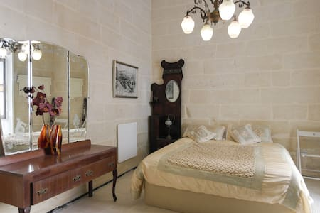 Charming Maltese Townhouse - Senglea - House