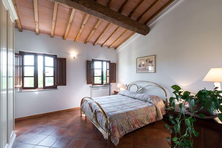 Vicino Firenze, Podere Lischeto - Agliana - House
