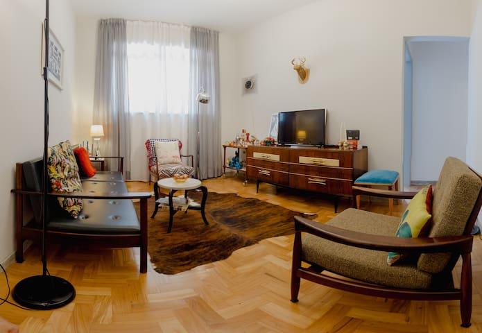 Room on apartment with a large terrace. South BH