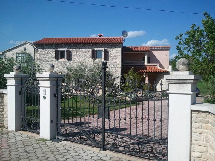 House Anka - Studio Apartment