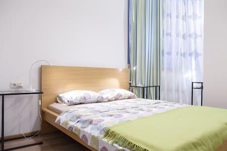 Квартира - ЛЮКС с двумя спальнями. - Appartamento