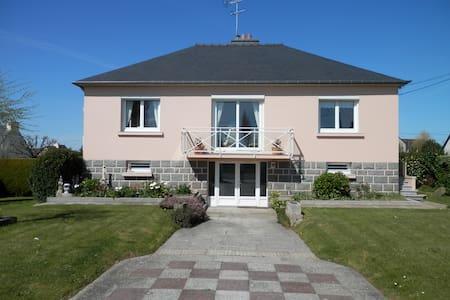 Maison proche centre ville . - Saint-Brieuc - House