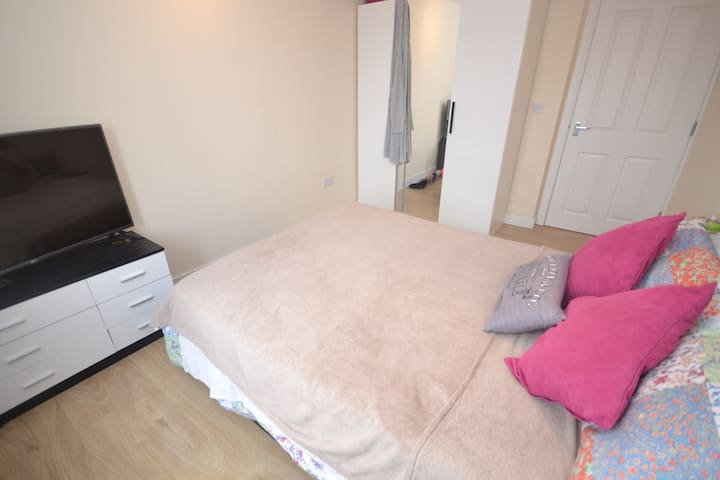 Modern 1 - Bed Flat at the Epi-Centre of Reading - Reading - Apartemen