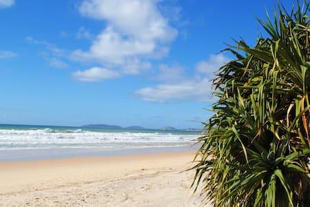 Beachcomber Holiday House Rainbow Beach - Rainbow Beach