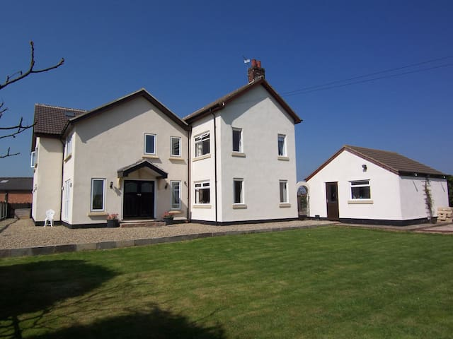 Rosedene House Bed and Breakfast - Stockton-on-Tees