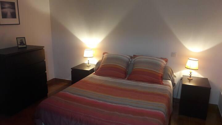 Chambre privée dans jolie maison bordelaise