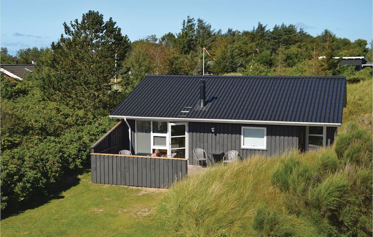 Holiday cottage with 3 bedrooms on 77m² in Blokhus