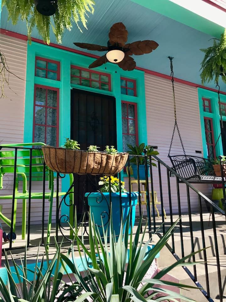 Stay by the river in the safe & historic Bywater